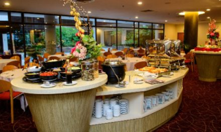 1 For 1 Daily Buffet Promotion at Cafe Lodge for OCBC Card Members Now Till 30th November 2019